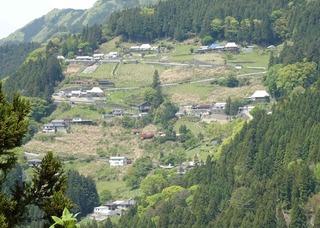 2019iya_ochiai_village.jpg